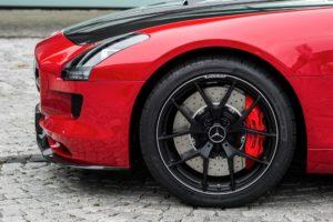 """Dunlop Sport Maxx Race"" ribotai ""Mercedes"" serijai"