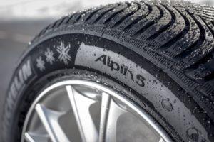 """Naujos """"Michelin"""" žieminės padangos visų tipų paviršiams"""