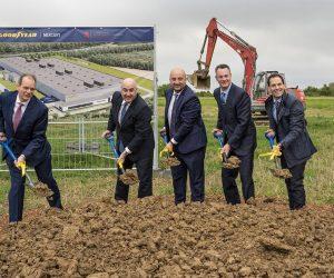 """""""Goodyear"""" paskelbė planus – pastatyti automatizuotą padangų gamyklą"""