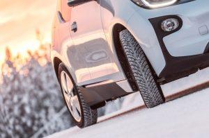 """""""Premium Nokian Tyres"""" padangos padės išvengti spąstų, laukiančių vairuotojų žiemą"""