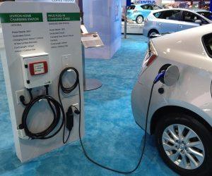 """""""Toyota"""", """"Mazda"""" ir """"Denso"""" – steigia elektromobilumo technologijų kompaniją"""