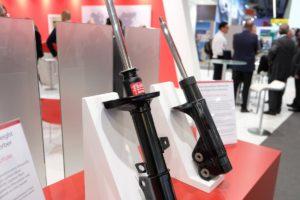 KYB sutelkė dėmesį į ateities sprendimus Automechanika parodoje Frankfurte