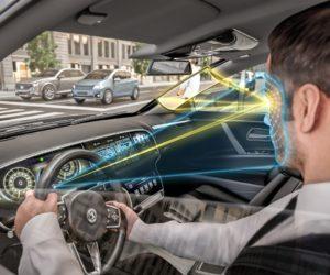 """Pažangi """"Continental"""" technologija leidžia matyti aklosiose zonose"""
