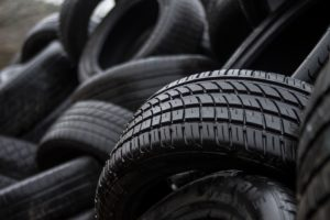 Didžiausi mitai apie automobilines padangas ir jų keitimą