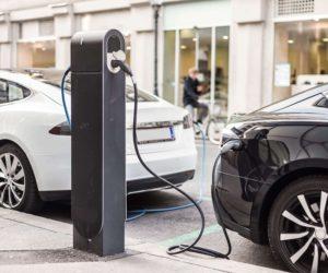Kada elektromobilių kaina bus konkurencinga įprastų automobilių kainai?