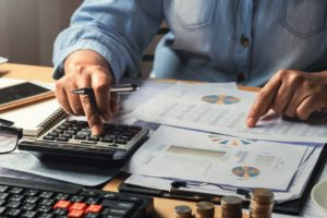 Remonto pelningumo skaičiuoklė – patikrinkite, kada Jūsų dirbtuvė uždirba daugiausia?