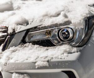 Žiemos staigmenos automobilio žibintams: ką svarbu žinoti?